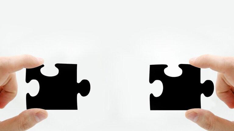 Puzzleteile, die zueinander finden